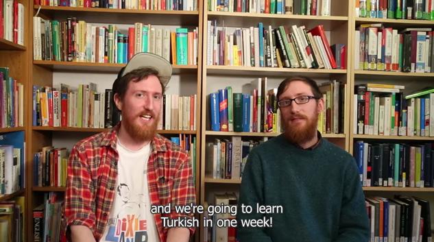 多言語に挑み続ける双子から学ぶ、新しい言語を習得する7つの理由とその方法。